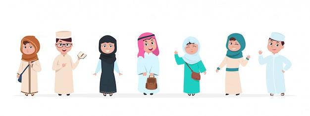 Crianças crianças personagens de desenhos animados. escola menino e menina no conjunto de roupas tradicionais da arábia saudita Vetor Premium