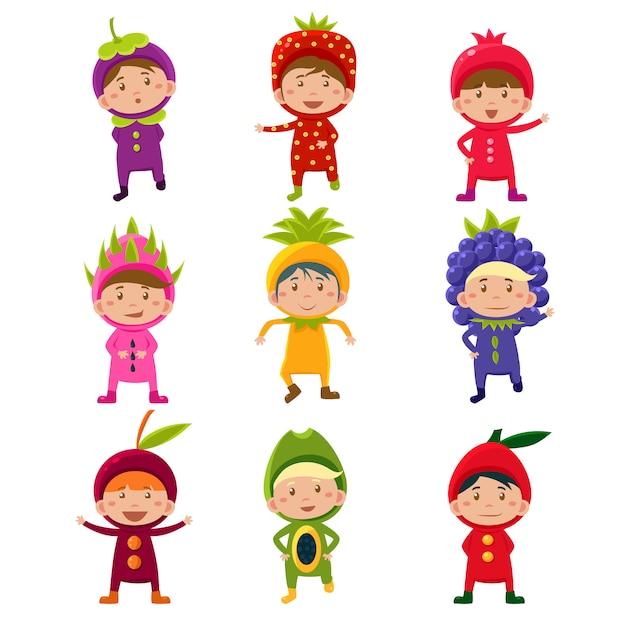 Crianças fofos na ilustração de trajes de frutas e bagas Vetor Premium