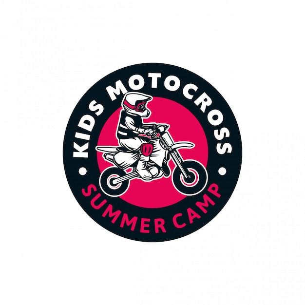 Crianças motocross verão acampamento logotipo distintivo cor sinal ilustração Vetor Premium