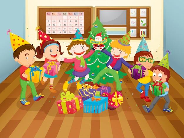 Crianças na sala de aula Vetor grátis