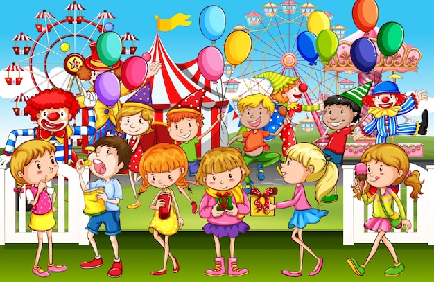 Crianças Se Divertindo No Parque: Crianças Se Divertindo No Parque De Diversão