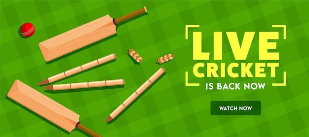 Críquete ao vivo está de volta agora texto com vista superior de tocos de taco, bola e wicket no plano de fundo padrão tartan verde. cabeçalho ou banner. Vetor Premium