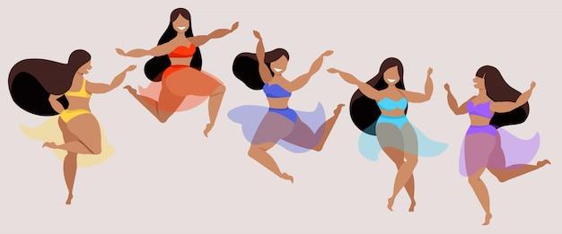 Dançarinas de biquíni colorido e saias transparentes. mulheres felizes cabelos escuros sorrindo, pulando e se divertindo. ilustração moderna senhoras em trajes de banho. elementos populares para web. Vetor Premium