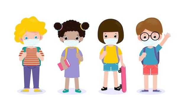 De volta às aulas para um novo conceito de estilo de vida normal. crianças felizes da escola usando máscara protetora vírus corona ou covid 19, crianças em idade pré-escolar personagens adolescentes alunos com livros e mochilas Vetor Premium
