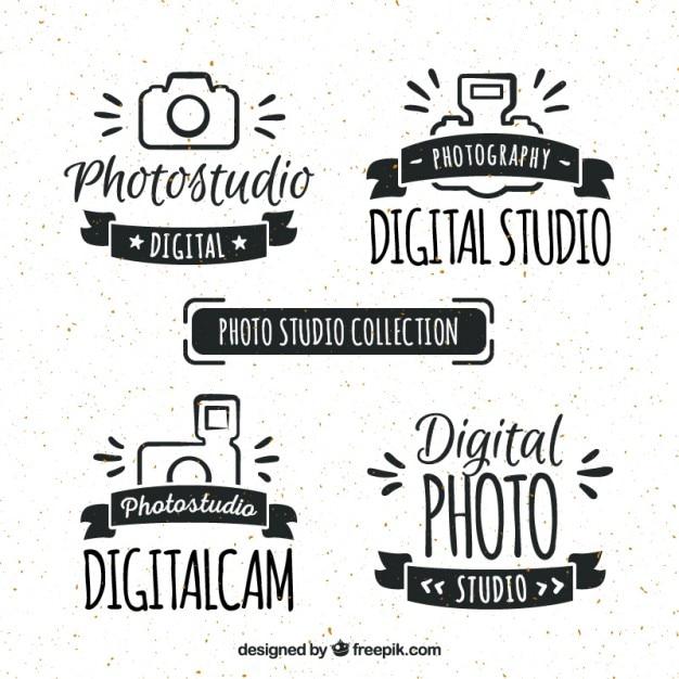 Desenhadas mão logos estúdio retro foto Vetor Premium