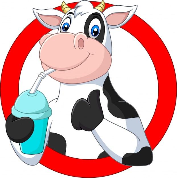 Desenhos animados feliz vaca bebendo água Vetor Premium
