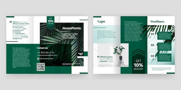 Design de brochura com três dobras mínima Vetor Premium