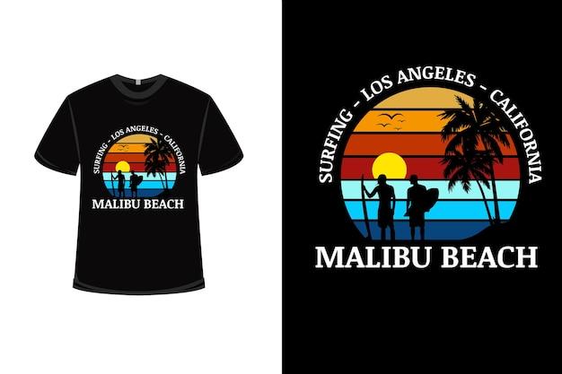 Design de camiseta com surf na praia de malibu na califórnia em vermelho alaranjado e azul Vetor Premium