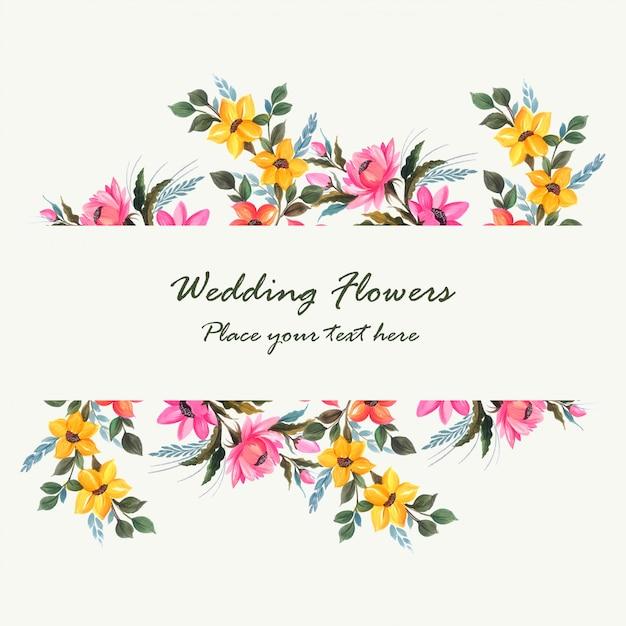 Design de cartão de flores decorativas de convite de casamento Vetor grátis