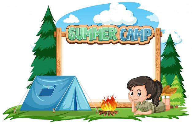 Design de modelo de fronteira com a garota no acampamento de verão Vetor grátis
