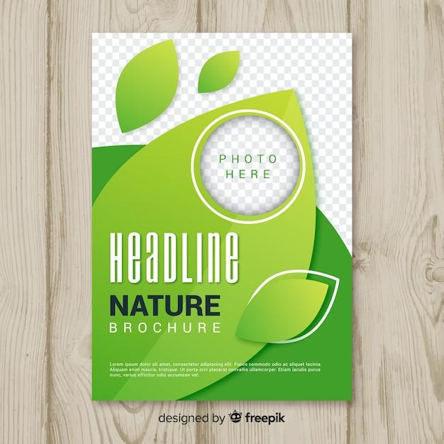 Design de modelo de panfleto de natureza Vetor grátis