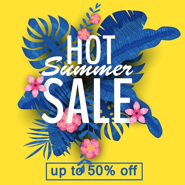 Design de um banner com um logotipo da venda de verão. oferta para promoção com plantas tropicais de verão, folhas e decoração de flores. vetor, ilustração Vetor Premium