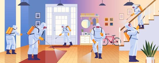 Desinfecção doméstica por serviço de limpeza. epidemia de controle de prevenção do coronavírus covid-2019. trabalhador em proteção química desinfeta a casa. projeto de ilustração de estilo dos desenhos animados Vetor Premium