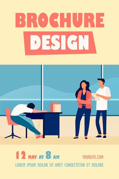 Dois funcionários de escritório olhando para um modelo de folheto de colegas sonolentos Vetor grátis