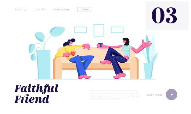 Duas garotas sentadas no sofá, bebendo bebidas e se comunicando em casa. Vetor Premium
