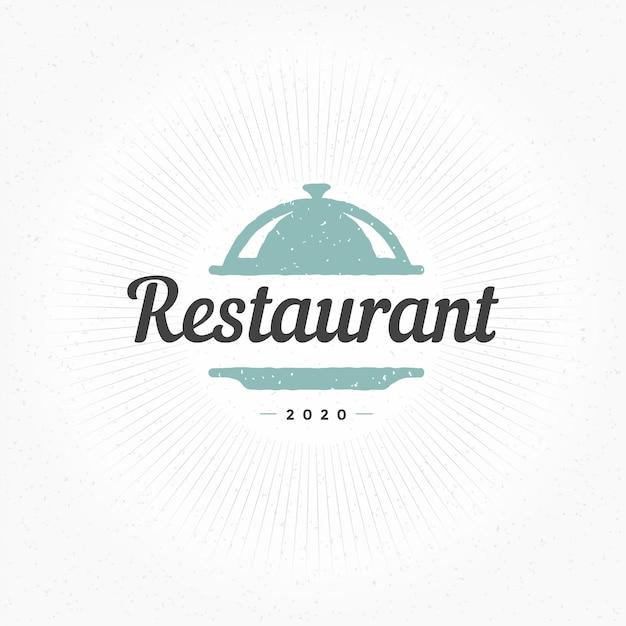 Elemento de cloche de restaurante mão desenhada em estilo vintage para logotipo, etiqueta ou crachá e outros Vetor Premium
