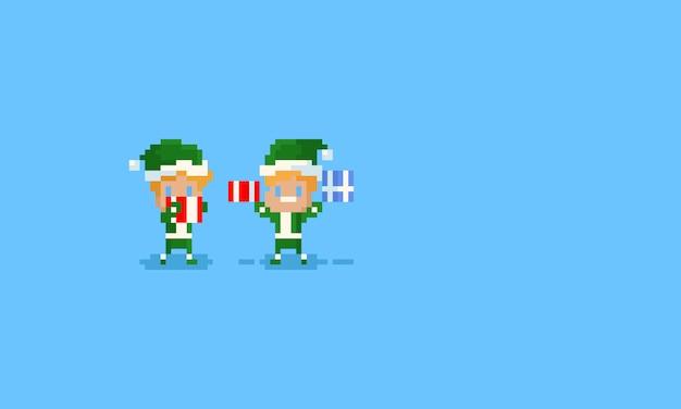 Elfos de pixel segurando caixas de presente de natal Vetor Premium