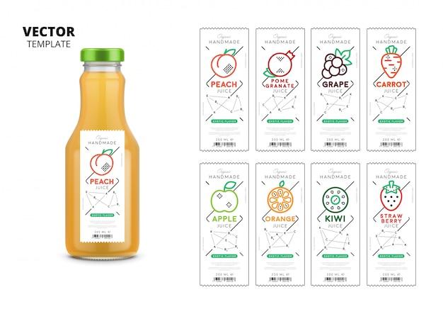 Embalagem de garrafa de vidro realista de suco fresco com conjunto de etiquetas Vetor Premium