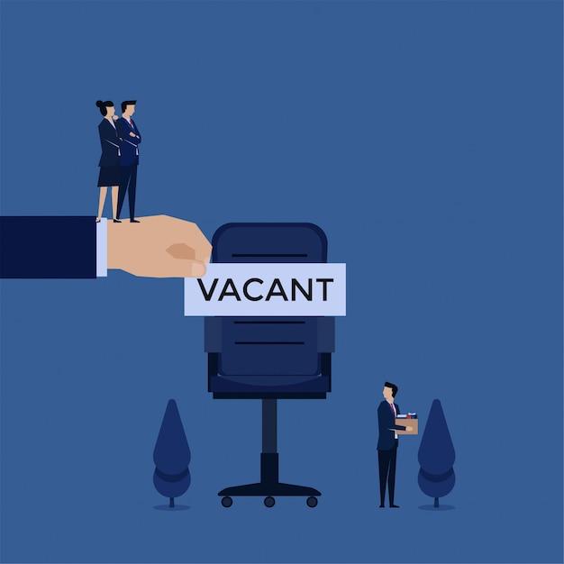 Empresário de conceito de vetor plana de negócios deixar a cadeira e gerente colocar texto vago nele metáfora de fogo e contratar. Vetor Premium