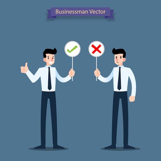 Empresário segurando placas de resposta. Vetor Premium