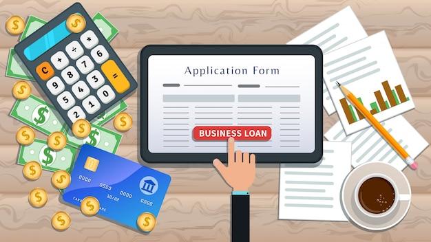 Empréstimos ou empréstimos comerciais on-line. hipoteca em casa. tablet plana com formulário de pedido de empréstimo e mão clique no botão na mesa Vetor Premium