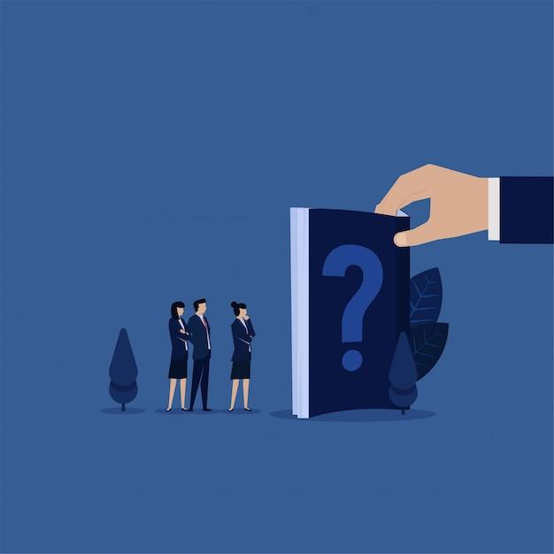 Equipe de negócios consulte o manual do livro para perguntas freqüentes. Vetor Premium