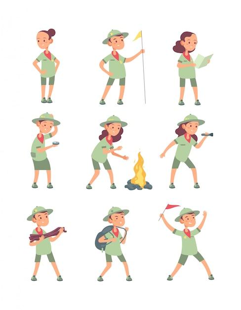 Escoteiros de crianças. crianças dos desenhos animados no escoteiro uniforme no acampamento de verão. personagens de turista engraçados de meninos e meninas Vetor Premium