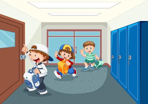 Estudante no corredor da escola Vetor grátis