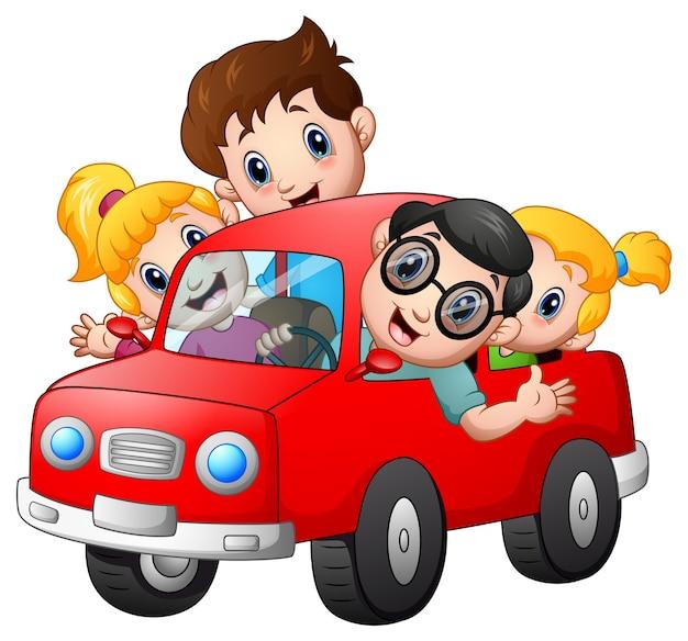 Família Feliz Viajando Com Carro