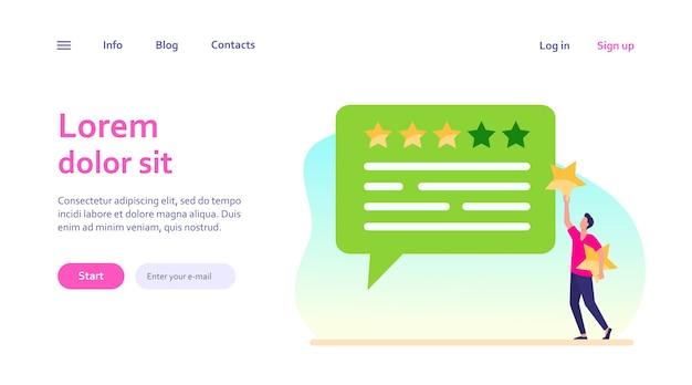 Feedback do cliente online. homem aplicando estrelas de taxa para bolha de bate-papo. marketing, satisfação, conceito de avaliação para design de site ou página de destino Vetor grátis