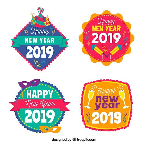 Feliz ano novo 2019 coleção de crachás Vetor grátis