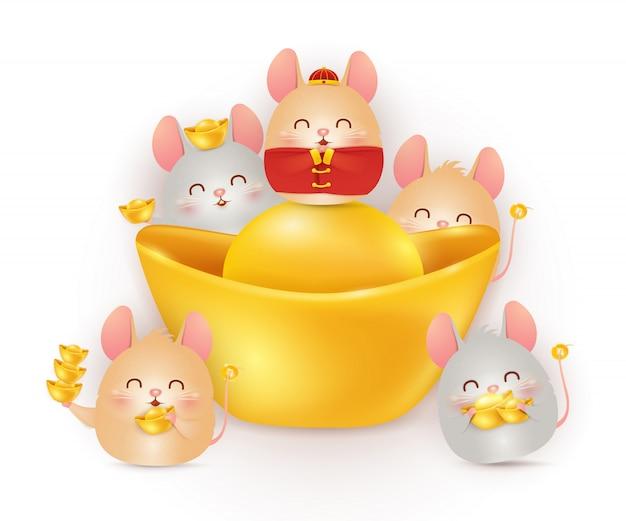 Feliz ano novo chinês do rato. símbolo do zodíaco do ano. personagem de quatro ratos de desenho animado com lingote de ouro chinês isolado. Vetor Premium