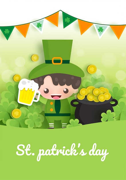 Feliz dia de são patrício e cartão com verde e ouro quatro e folha de árvore em papel cortado estilo. Vetor Premium