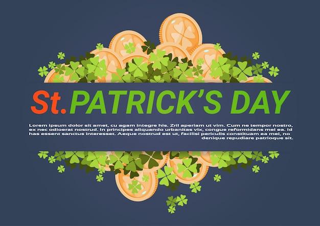Feliz dia de st. patricks fundo com moedas de ouro e folhas de trevo Vetor Premium