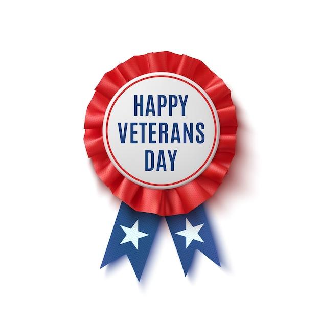 Feliz dia dos veteranos distintivo. rótulo realista, patriótico, azul e vermelho com fita, isolado no fundo branco. modelo de cartaz, folheto ou cartão. Vetor Premium