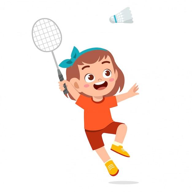 Feliz menina cute jogar trem badminton Vetor Premium