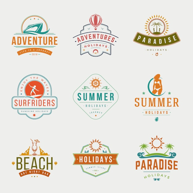 Férias de verão tipografia etiquetas ou emblemas vector design Vetor Premium