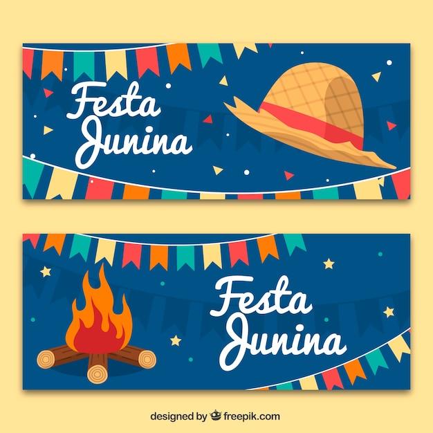 Festa junina bandeiras com chapéu e fogueira Vetor grátis