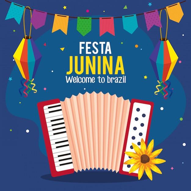 Festa junina cartão com acordeão e ícones tradicionais Vetor Premium