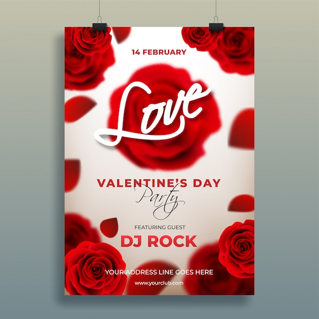 Flor rosa realista decorado modelo de dia dos namorados ou flye Vetor Premium