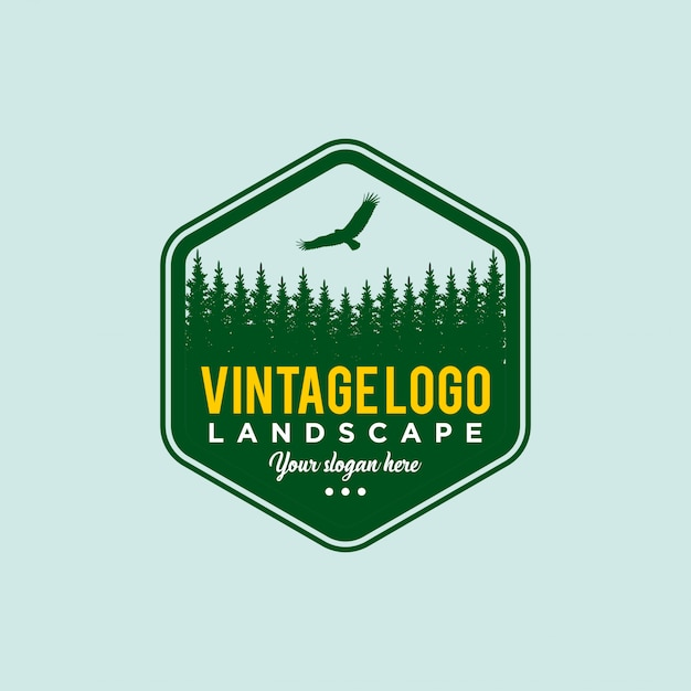 Floresta de pinheiros vintage. modelo de design de viagem Vetor Premium