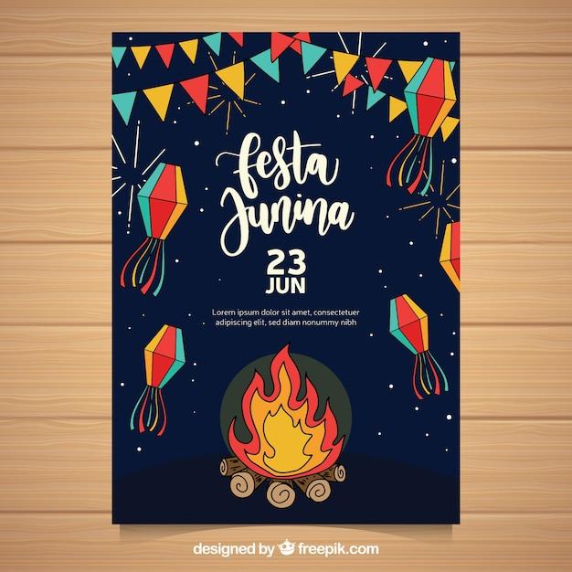 Folheto junina de festa com elementos tradicionais Vetor grátis