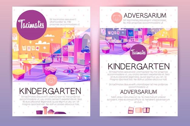 Folhetos com jardim de infância dos desenhos animados para crianças, ensinando na instituição pré-escolar. Vetor grátis