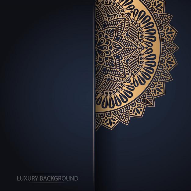 Fundo de design de luxo ornamental mandala na cor ouro Vetor Premium