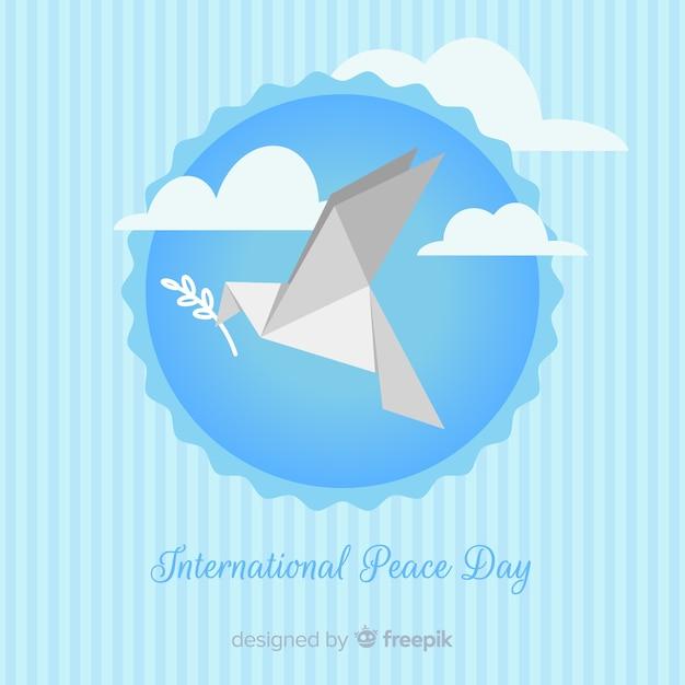Fundo de dia de paz com origami pomba Vetor grátis