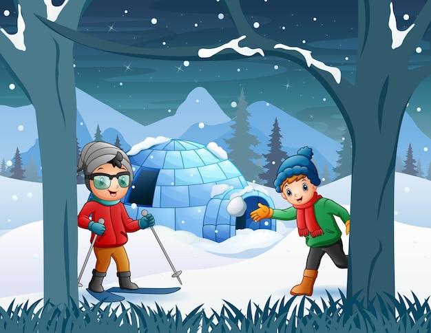 Fundo de inverno com crianças brincando Vetor Premium