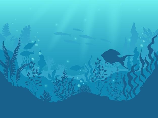 Fundo de silhueta subaquática. cena submarina de recife de coral, peixes do oceano e algas marinhas, raios de sol debaixo d'água Vetor Premium