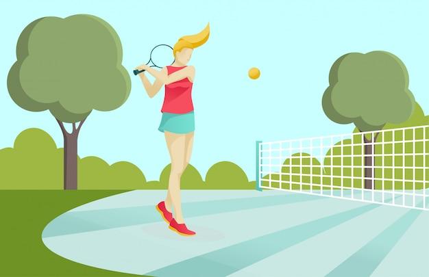 Garota esportiva ativa jogando tênis na quadra no parque Vetor Premium