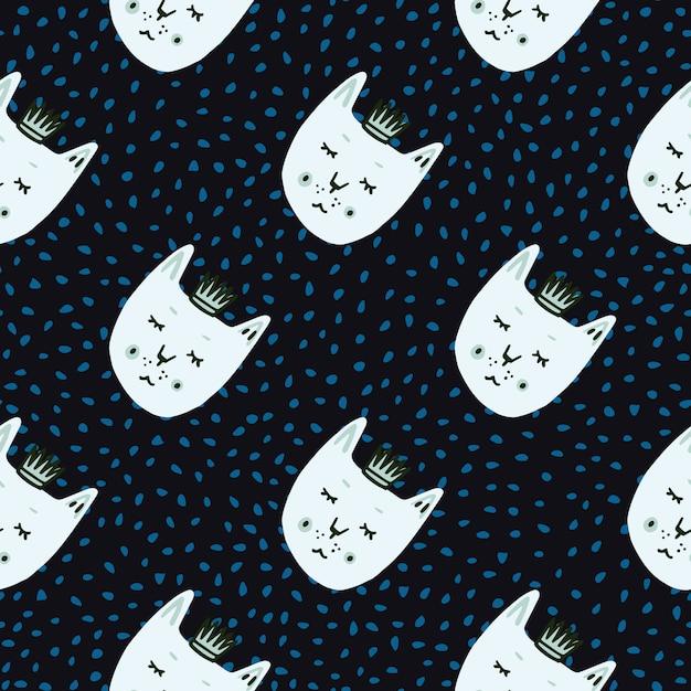 Gato com padrão de doodle ingênuo sem emenda de coroas. fundo preto com pontos azuis e faces brancas impressas de animais. Vetor Premium