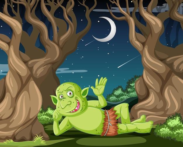 Goblin ou troll deitado na cena do estilo desenho animado da floresta Vetor grátis